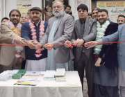لاہور: آل پاکستان انجمن تاجران کے مرکزی جنرل سیکرٹری نعیم میر، زاہد ..