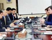 اسلام آباد: وزیر اعظم کے مشیر برائے ٹیکسٹائل انڈسٹری عبدالرزاق داؤد ..