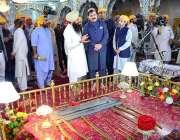 پشاور: کے پی کے کے وزیر اطلاعات شوکت یوسفزئی کرتار پور راہداری کے افتتاح ..