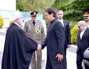 تہران: وزیر اعظم عمران خان کا استقبال کیا جا رہا ہے۔