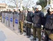 لاہور: پنجاب اسمبلی کے اجلاس کے موقع پر سکیورٹی کے لیے اینٹی رائیٹ فورس ..