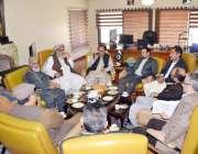 کوئٹہ: صدر چیمبر آف کامرس اینڈ انڈسٹری جمعہ خان بادیزئی دیگر کے ہمراہ ..