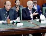 لاہور: صوبائی وزیرقانون راجہ بشارت انسداد بے نامی کمیٹی کے اجلاس کی ..