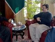 پشاور: گورنر خیبر پختونخوا شاہ فرمان سے وزیر اطلاعات شوکت یوسفزئی اور ..