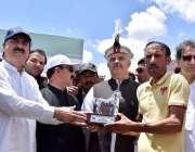 چترال: وزیر اعلیٰ خیر پختونخوا محمود خان شندور میلے کے اختتامی روز ..