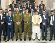 لاہور : خیبر پختونخواہ پولیس کے جونیئر کمانڈر کورس میں شامل افسران ..
