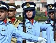 رسالپور: اصغر خان پی اے ایف اکیڈمی میں گریجویشن کی تقریب کے دوران کیڈٹ ..