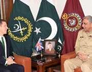 راولپنڈی: آرمی چیف جنرل قمر جاوید باجوہ سے برطانیہ کے ہائی کمشنرڈاکڑ ..