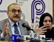 پشاور: چیئرمین شعبہ نفسیات کے ٹی ایچ ہسپتال پروفیسر ڈاکٹر سید محمد ..