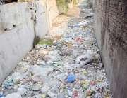 لاہور: بھاٹی گندہ نالہ کچرے سے بھرا پڑا ہے جو کہ انتظامیہ کی نا اہلی ..