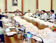لاہور: کنوینر چیف منسٹر ٹاسک فورس برائے پرائس کنٹرول محمد اکرم چوہدری ..