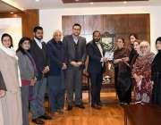 اسلام آباد: چیمبر آف کامرس اینڈ انڈسٹری کے صدر احمد حسن مغل چیمبر کے ..