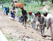 اسلام آباد: وفاقی دارالحکومت میں مزدور کھنہ پل انٹر چینچ کے ہمراہ موسمی ..