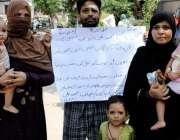 حیدرآباد پریٹ آباد کار ہائشی محمد علی اپنے اہل خانہ کے ہمراہ تشدد کرنے ..