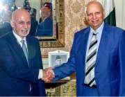 لاہور: افغان صدر اشرف غنی سے گورنر پنجاب چوہدری غلام سرور ملاقات کے ..