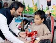 کوئٹہ: ایم ڈی پاکستان بیت المال عون عباس بپی بولان میڈیکل کمپلیکس کے ..