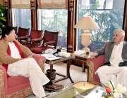 اسلام آباد: وزیر اعظم عمران خان سے وزیر اعلیٰ خیبر پختونخوا محمود خان ..