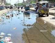 حیدر آباد: سٹریچ روڈ پر سیوریج کی پانی کا باعث شہریوں کو مشکلات کاسامنا ..