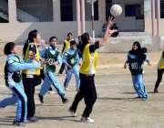 حیدر آباد: انٹر کالجیٹ ٹورنامنٹ کے موقع پر گرلز ڈگری کالج اور خان بہادر ..