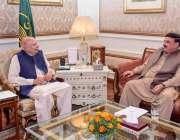 لاہور: گورنر پنجاب چوہدری محمد سرور سے وفاقی وزیر ریلوے شیخ رشید احمد ..