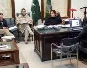 لاہور: ڈپٹی کمشنر لاہور صالحہ سعید ایل ڈبلیو ایم سی کے حوالے سے اجلاس ..