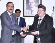 اسلام آباد: ایگزیکٹو ڈائریکٹر ، NAVTTC ڈاکٹر ناصر خان ، پروگرام TVET سیکٹر ..