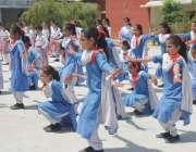 پشاور: قبائلی اضلاع سپورٹس فیسٹیول خواتین مقابلوں کے موقع پر طالبات ..