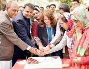 اسلام آباد: وفاقی وزیر اطلاعات نشریات فواد حسین چودھری خواتین کے عالمی ..