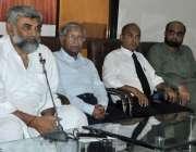 کراچی: پریس کلب میں پاسبان ڈیموکریٹک پارٹی کے صدر الطاف شکور پریس کانفرنس ..