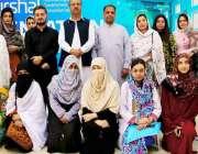پشاور: درشل پروگرام کے دوسرے مرحلے کے افتتاحی تقریب کے دوران خواتین ..