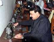 راولپنڈی: صدر میں ریلوے ووکیشنل سنٹر برائے خواتین کا افتتاح کرنے کے ..
