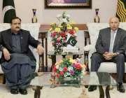 لاہور: گورنر پنجاب چوہدری محمد سرور سے وزیر اعلیٰ پنجاب سردار عثمان ..