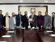 اسلام آباد: چیمبر آف کامرس اینڈ انڈسٹری کے صدر احمد حسن مغل چیمبر کید ..