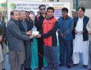 پشاور: انڈر فورٹین خیبر پختونخوا ٹینس چمپئن شپ کے فاتح کھلاڑی کا شان ..