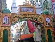 راولپنڈی: عید میلادالنبی  کے حوالے سے موتی بازار کو سجایا جارہا ہے۔