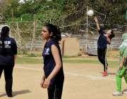 کراچی: خواتین کے عالمی دن کے موقع پر رہنما ویلفیئر آرگنائزیشن کے زیر ..