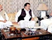 وزیر اعلیٰ خیبر پختونخوا محمود خان صوبے میں بنیادی مواصلاتی ڈھانچے ..