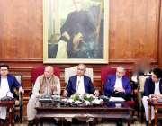 لاہور: گورنر پنجاب چوہدری محمد سرور بزنس کمیونٹی سے خطاب کر رہے ہیں، ..