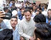 کراچی : مشیراطلاعات قانون و اینٹی کرپشن سندھ پیرسٹر مرتضی وہاب گزری ..