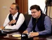 اسلام آباد: سینٹیر فیصل جاوید اور وفاقی وزیر برائے توانائی وزیر اعظم ..