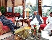 اسلام آباد: وزیر اعظم عمران خان سے وفاقی وزیر خوراک صاحبزادہ محبوب ..