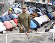 لاہور: مال روڈ پر واقع مسجد شہداء میں ماہ صیام کے دوسرے جمعةالمبارک ..