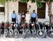 اسلام آباد:سی آئی اے پولیس کی بڑی کارروائی میں گرفتار موٹر سائیکل چور ..
