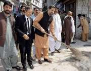 راولپنڈی:وز یرکالونیز پنجاب فیاض الحسن چوہان یونین کونسل 23 میں صفائی ..