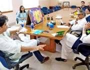 کراچی : زندگی ٹرسٹ کے بانی شہزاد رائے پنجاب کے صوبائی وزیر برائے اسکول ..