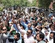 لاہور: پنجاب اسمبلی میں قائد حزب اختلاف حمزہ شہباز کی نیب کے ہاتھوں ..