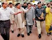 لاہور: وفاقی وزیر ریلوے شیخ رشید احمد کے دورہ ریلوے اسٹیشن کا دورہ کر ..