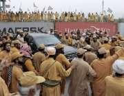 اسلام آباد سیکٹر ایچ نائن جلسہ گاہ میں آنیوالے قائدین کا استقبال کیا ..