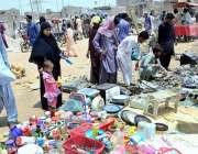 حیدر آباد: شہری استعمال شدہ اشیاء خریدنے میں مصروف ہیں۔