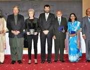 """اسلام آباد: وفاقی وزیر برائے تعلیم و پیشہ ورانہ تربیت شفقت محمود """"کوالٹی .."""
